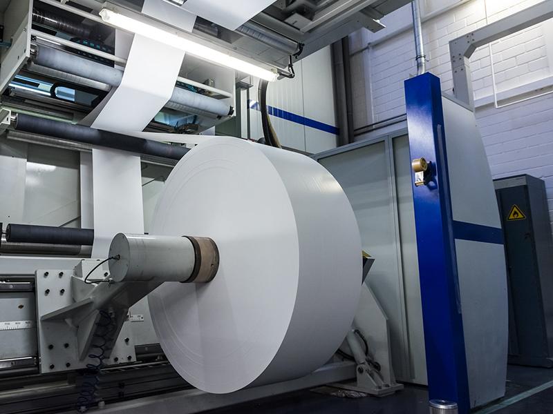 الورق و خدمات الطباعة